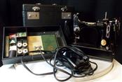 Vintage SINGER 221 Featherweight Sewing Machine in Case, Original Manual & Acces